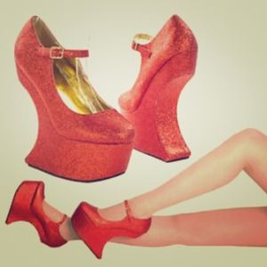 bumper Shoes - 💥SALE💥 NEW 💋Heel less red glitter platforms 💋