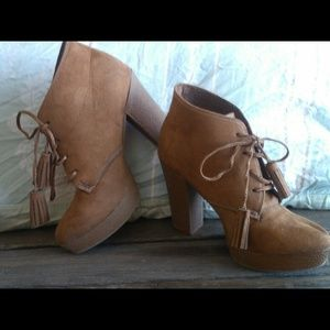 Lace up booties with tassle 8