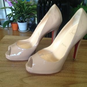 Original christian louboutin pumps.