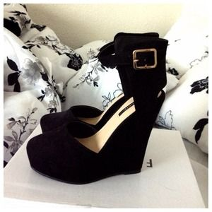 Forever 21 Shoes - Timeless D'Orsay Platform Wedges