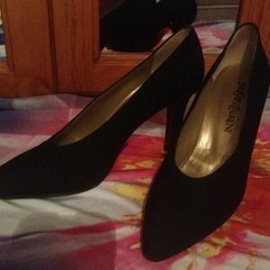 Yves Saint Laurent Shoes - ❗REDUCED❗Yves Saint Laurent black heels