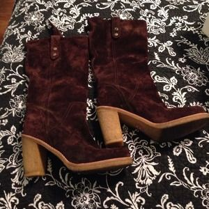 Ugg dark brown suede boots