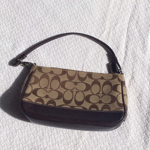 ... new style coach classic mini purse. price reduced c9458 3bf68 72dce8b525fa9