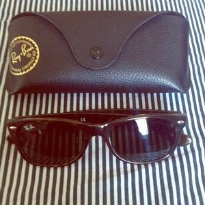 Sold***Ray-ban wayfarer sunglasses
