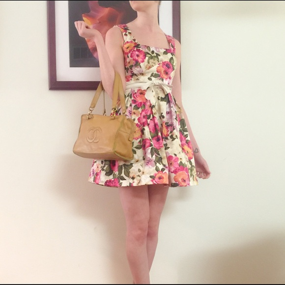 CHANEL Bags - 🎀2x HP🎀Chanel Lambskin Chain Bag