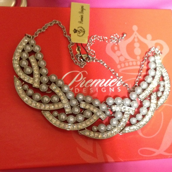 4% off Jewelry - Premier Designs Jewelry Perfect Day ...