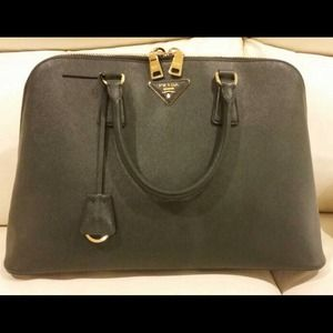 prada handbags online shopping - Coco\u0026#39;s Closet on Poshmark - @coconcls
