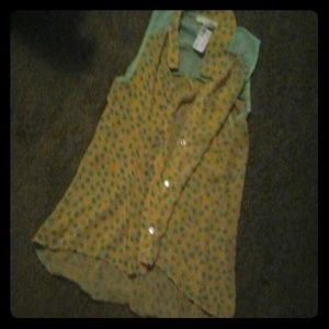 evelie Tops - Tan and greenish shirt