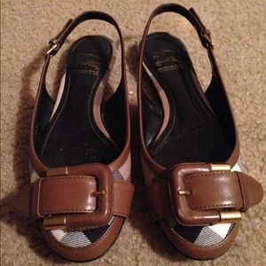 AUTHENTIC Burberry sling back  flats