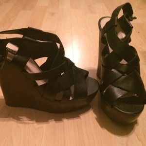 Shoemint black platform heel sandals