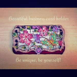 Accessories - ✨REDUCED!✨Business card carrier w/ rhinestones