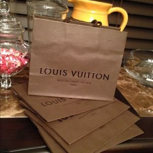 💯 Authentic Louis Vuitton (small) Shopping bag