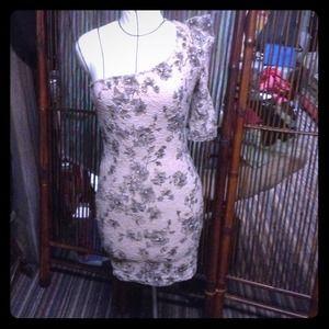 Body con lace dress