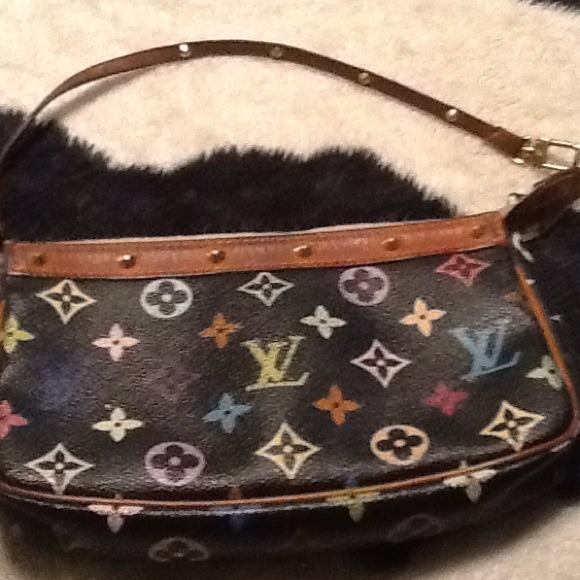 366e2c80865 Louis Vuitton small purse black monogram