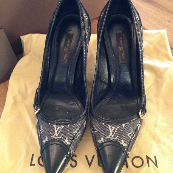 2bb74976c1f Louis Vuitton Womens Shoes On Poshmark