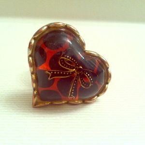 ⬇️REDUCED⬇️ Betsey Johnson heart stone ring❤️