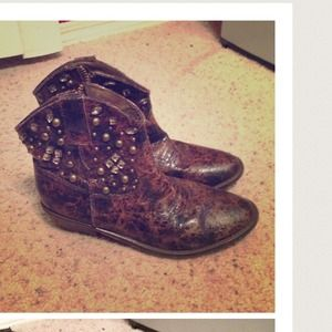 fcef6001bb1 Bedazzled brown cowboy boots