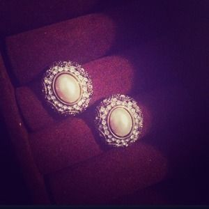 Black and cream rhinestone earrings with pearls