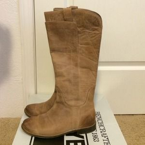 Frye Paige tall riding boot size 8