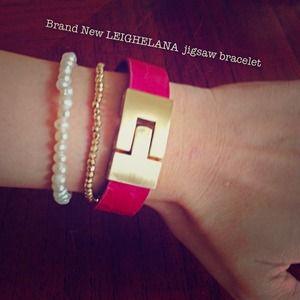 BRAND NEW Leighelena Jigsaw Bracelet, Magenta/Gold