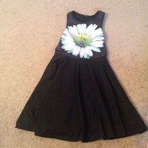 Forever 21 Dresses & Skirts - Adore forever21 sunflower black skater dress sz sm