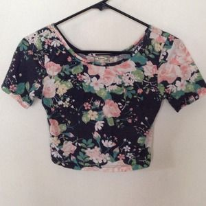 Kirra Tops - 🎉Host Pick 3/2🎉Floral Crop Top