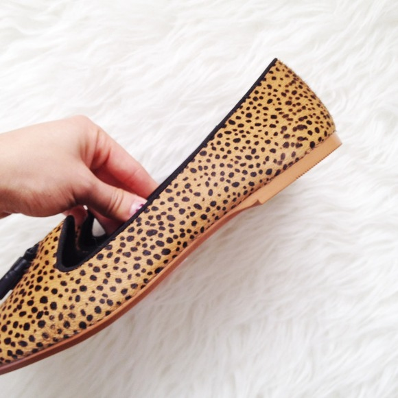 Zara Shoes - ✨HP!✨ Pony hair animal print loafers!