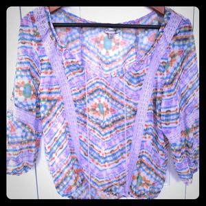 🌷 NWOT sheer peasant blouse size S very pretty