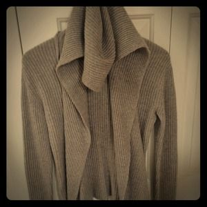 Banana Republic grey Cashmere Blend Sweater size S