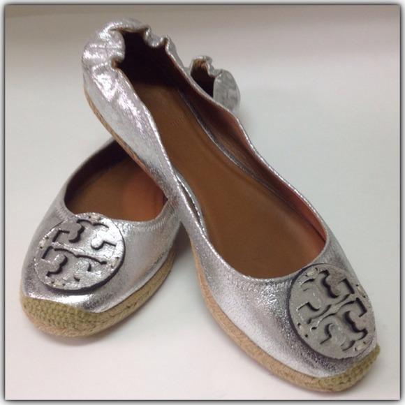 92018587ac2156 Tory Burch Reva Silver Leather Espadrilles. M 530e5a980b47d305cd05e359