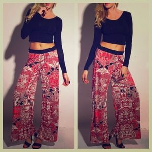Pants - NEW Red Black Beige Baroque Print Palazzo Pants