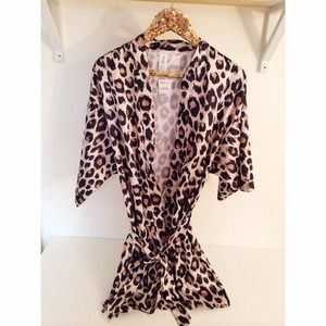 Forever 21 Other - Leopard Print Robe