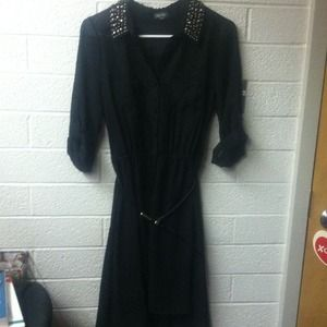 Black high low collared dress!