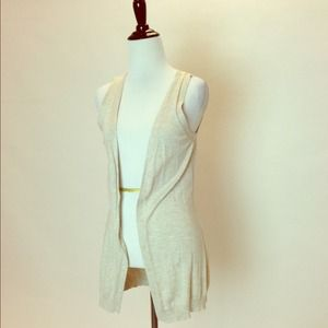 Outerwear - Oatmeal Sleeveless Vest