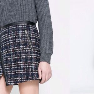 Zara woolen checker skirt with zip