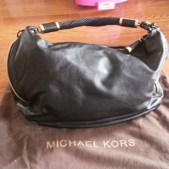 3ffd8f4d7fc9 michael kors large tonne crescent hobo Bedford Leather Small Crossbody Bags