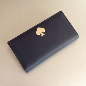 Kate Spade Wallet *HOST PICK on 3/3!!!*