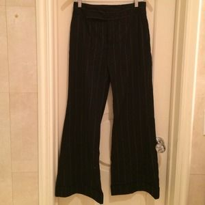 POWERFULBlack & gray stripe Zara Europe pants.