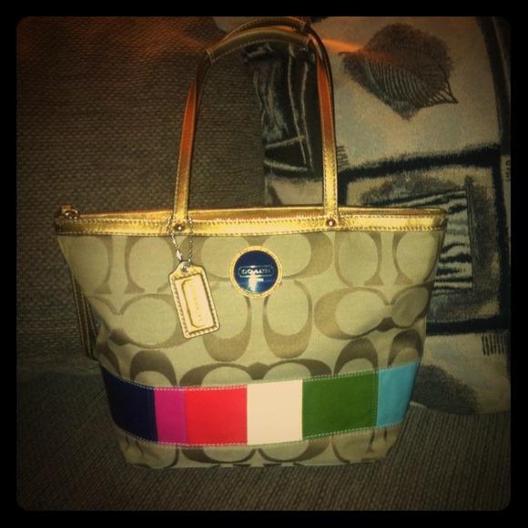 f505a4b7f7ef Coach Handbags - Authentic Coach Handbag  E1068-F15588