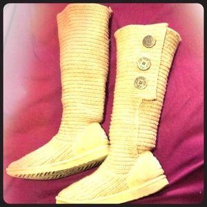Used Cardy Knitt Uggs