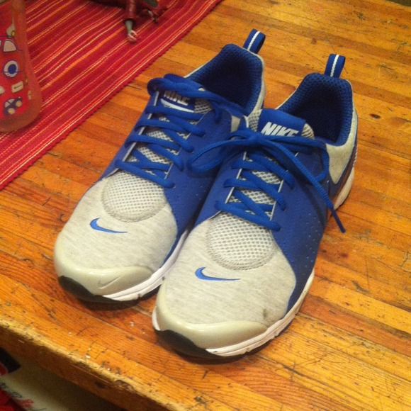 nike price drop nike tennis shoes nwot from tracy s