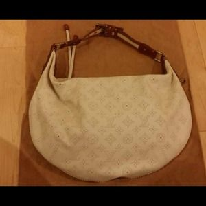 AuthenticLouis Vuitton mahina leather bag