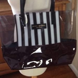 Henri Bendel  Handbags - Looking for this tote!!