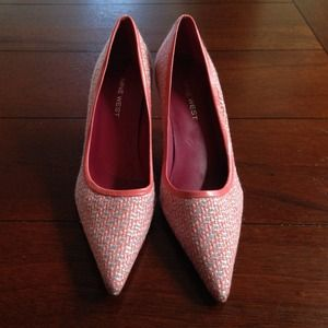 NINE WEST PINK TWEED PUMP NWT