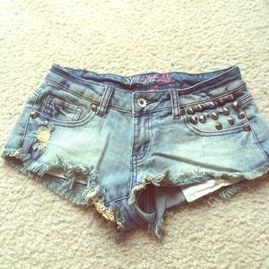 Denim - Summer must have👄💥 cut off shorts