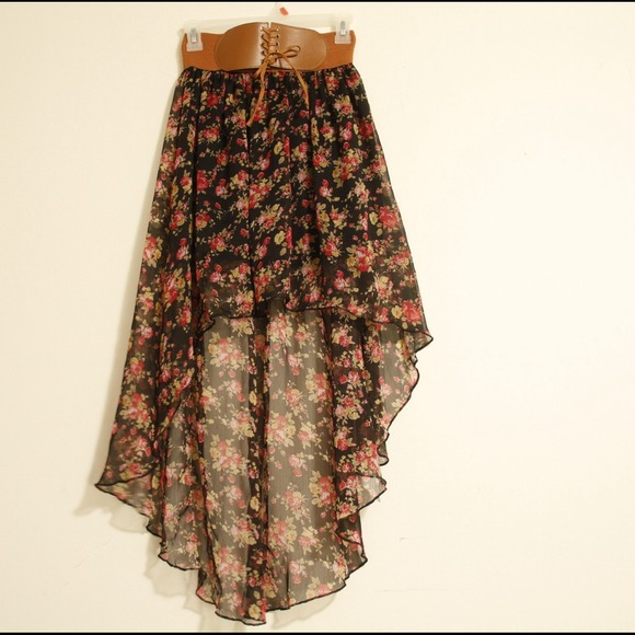 SOLD* Beautiful high waist floral high low skirt S/M from ...