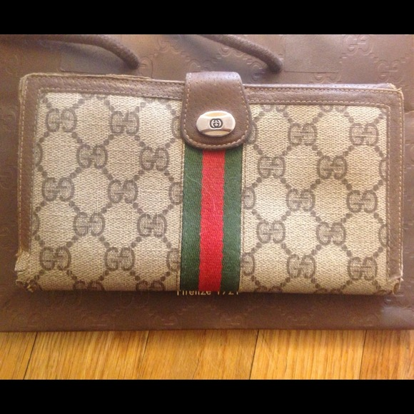 b047ee3298b7fe Gucci Bags | 1980s Vintage Wallet | Poshmark