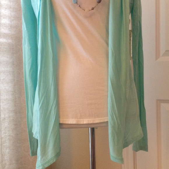 Boutique Tops - NWT XS cotton Aqua Open front Cardi, think spring!