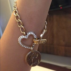 Heart and horseshoe charm gold chain bracelet