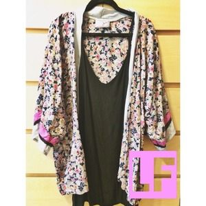 NWOT LF kimono